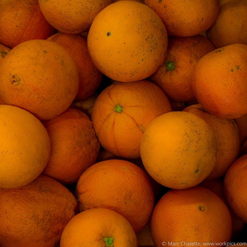 Oranges in bulk