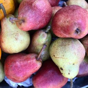 Pears in bulk